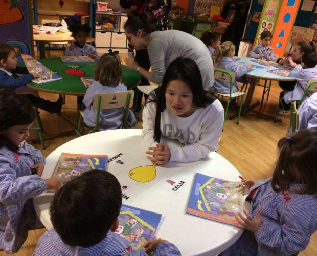 alumnos-de-psicologia-de-2o-bach-en-una-actividad-sobre-aprendizaje-en-epo